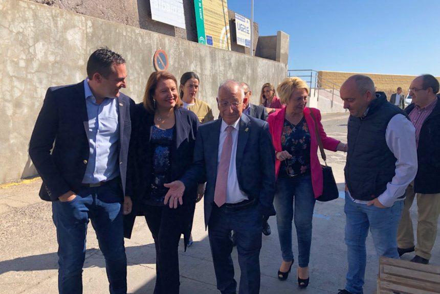 Carmen Crespo asegura que Eurofish Roquetas dispondrá de una nueva lonja en el Puerto