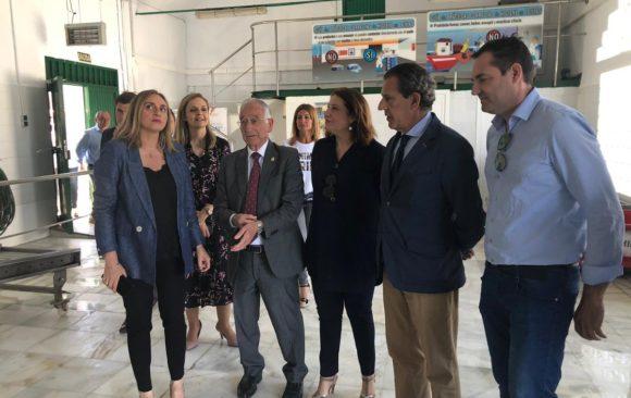 Eurofish Roquetas acompaña a Gabriel Amat, a la Junta y a Puertos de Andalucía en su visita a la Lonja